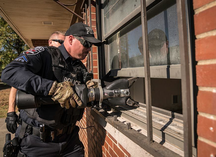 Indiana Drug Task Force Strong Arms Safes for Quick Access