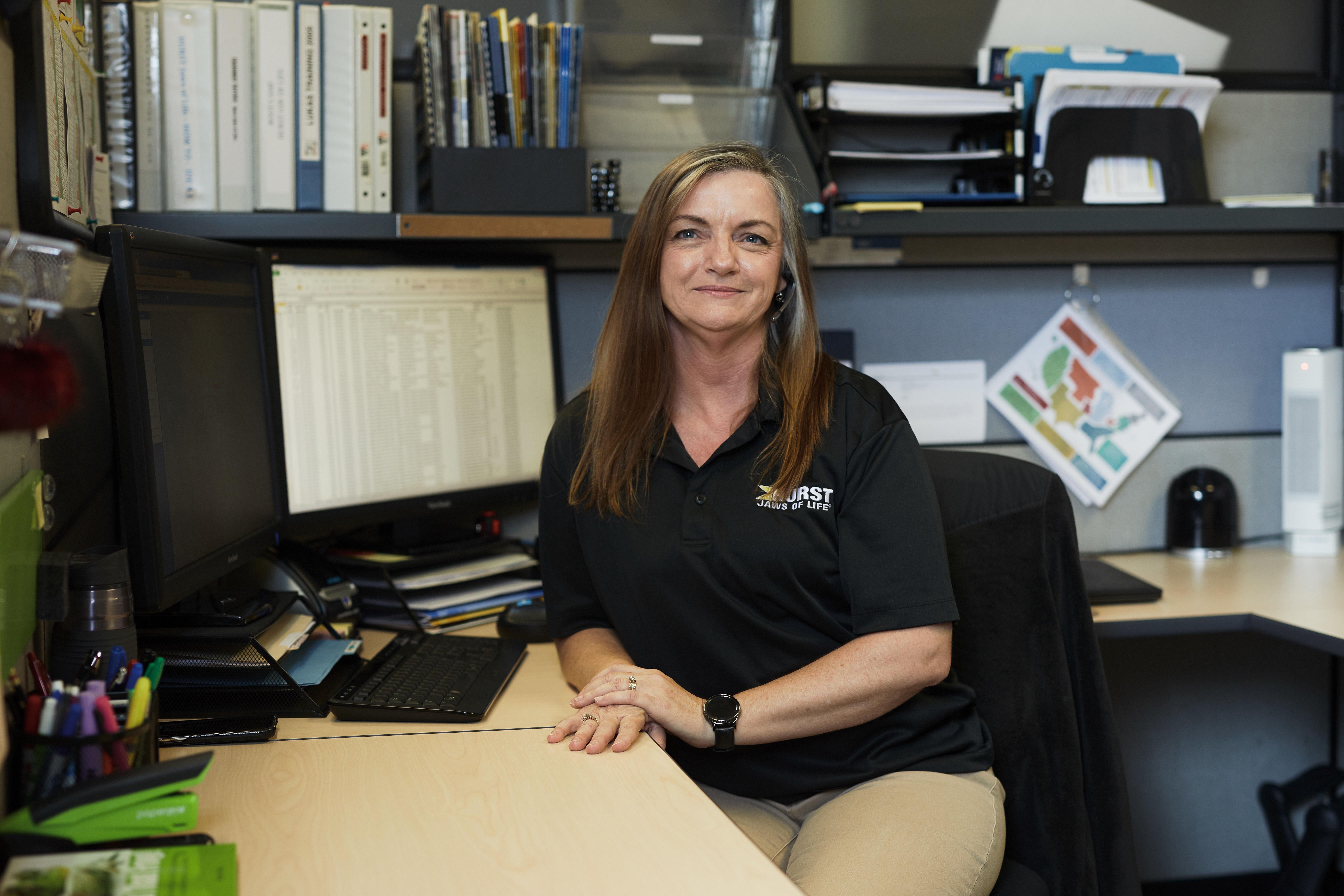 Tina Rippy, Customer Service Specialist